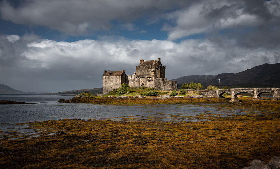 Eilean Donan Castle - bekannt durch die Highlander-Filme und beliebt bei Touristen aus aller Welt
