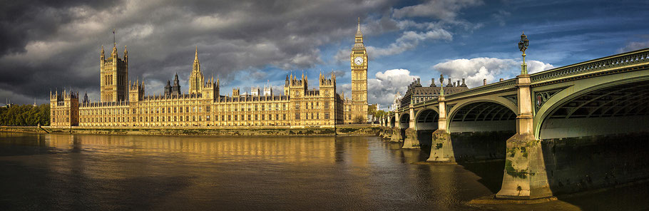 London, Houses of Parliaments, River Thames