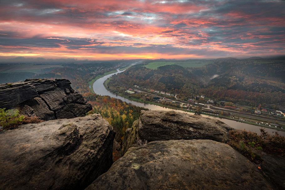 Sonnenaufgang über dem Elbtal vom Lilienstein