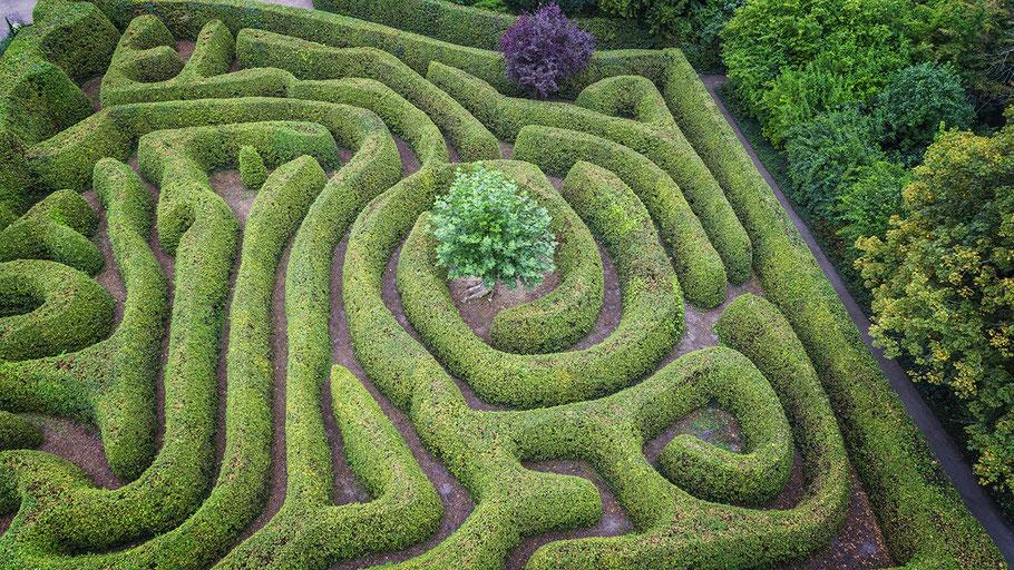 Drohnenaufnahme eines Labyrinths