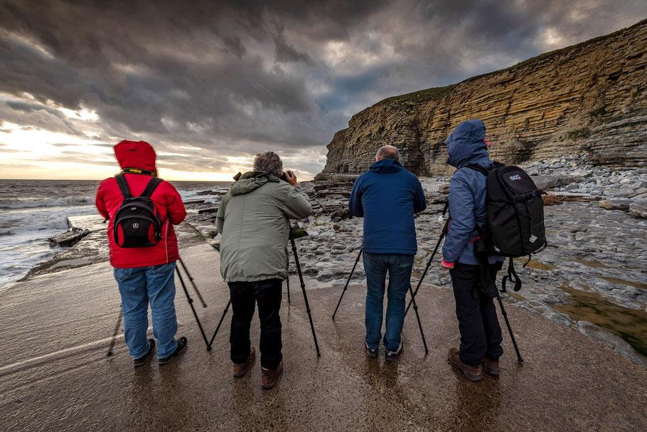 Fotoreise Wales, 4 Workshopteilnehmer beim Fotografieren