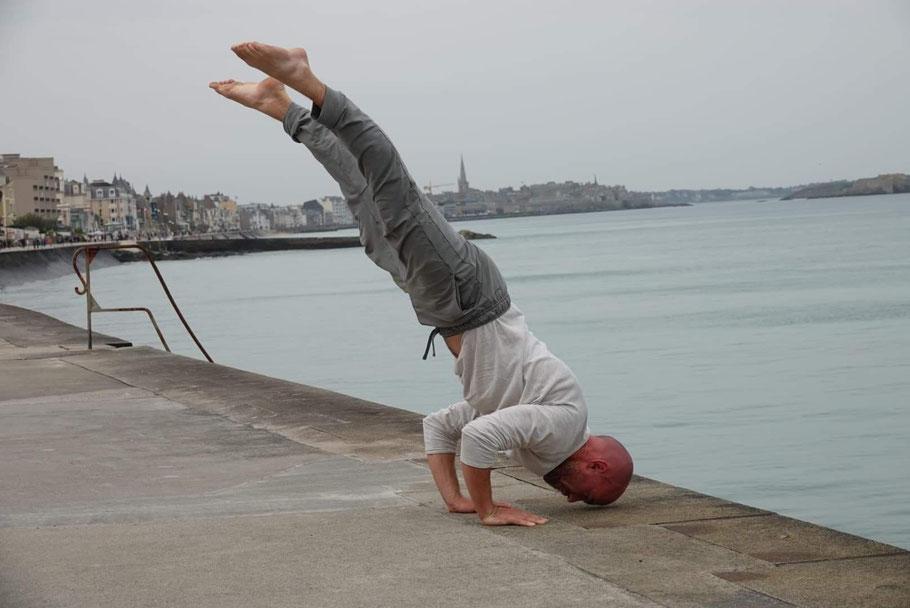 Handstand push up tutorial - coach sportif online Theo Philosport