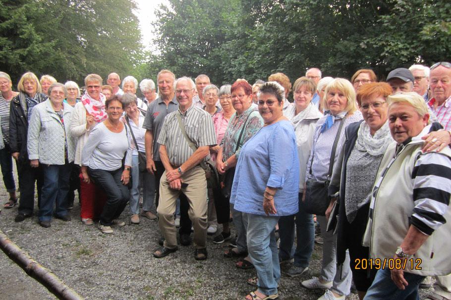 Sehr interessant war der Besuch bei einer der letzten Köhlereien unserer Heimat.
