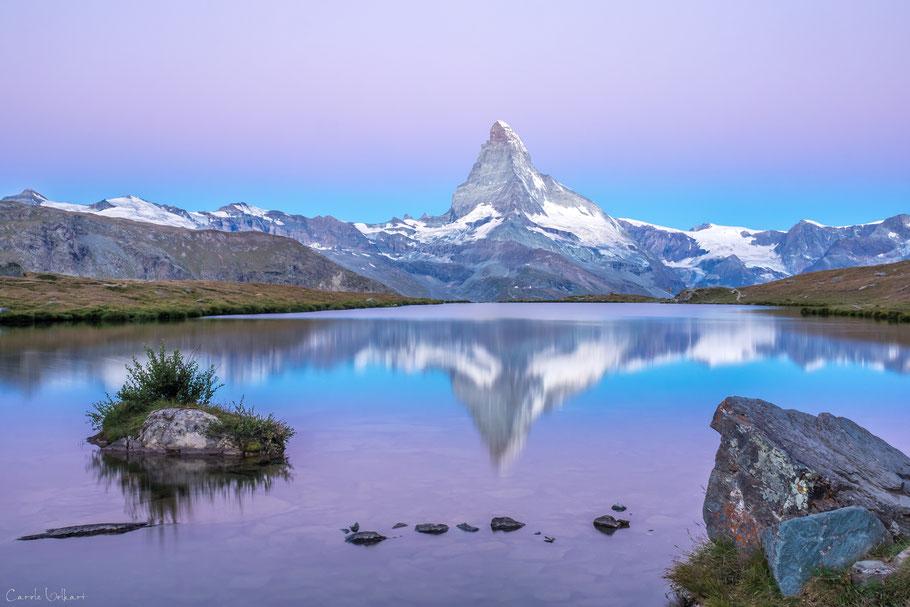 Morgenrot am Stellisee bei Zermatt mit Spiegelung des Matterhorns im Stellisee, Wallis