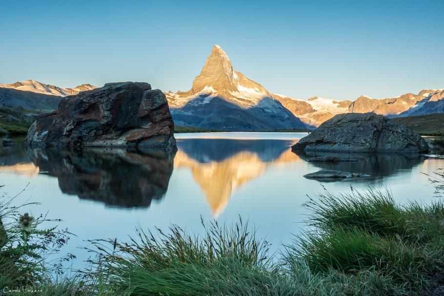 Morgenstimmung am Stellisee bei Zermatt mit Spiegelung des Matterhorns im Stellisee, Wallis