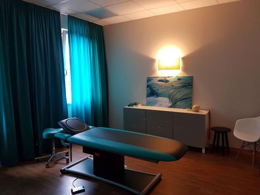 Behandlungsraum der Osteopathie Praxis Hilla in Duisburg und Moers