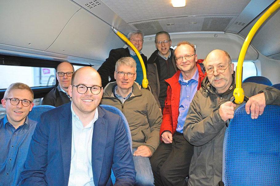 v.l. Hendrik Panitz (SPD), Carsten Schuckenberg (FWG), Johannes Philipper (FDP), Franz-Josef Linnemann (FWG), Klaudius Freiwald (SPD), Georg Hartmann-Niemerg (Grüne), Norbert Westbrink (Grüne) und Ulrich Seidel (SPD)