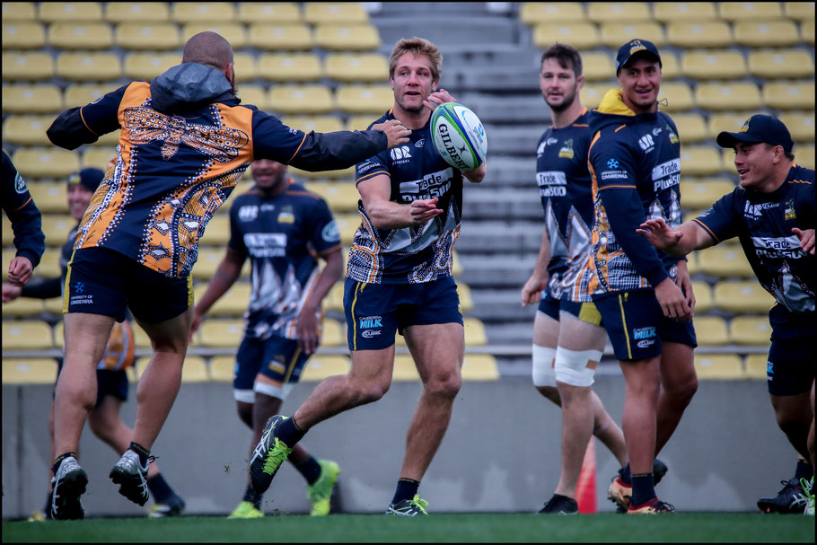 Brumbies players during the captain's run – Sachiyo Karamatsu, Inside Sport: Japan, Feb 23rd, 2018