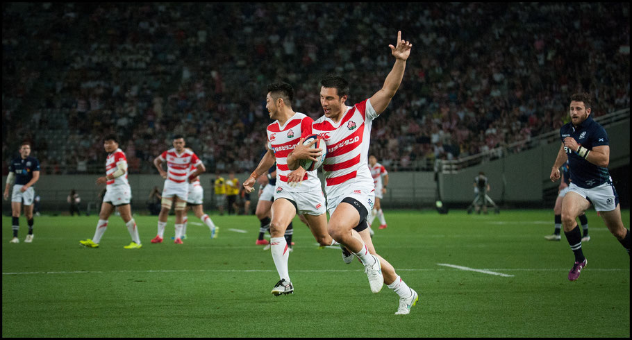 Tim Bennetts celebrates a try that didn't stand - John Gunning, Inside Sport: Japan, June 25, 2016