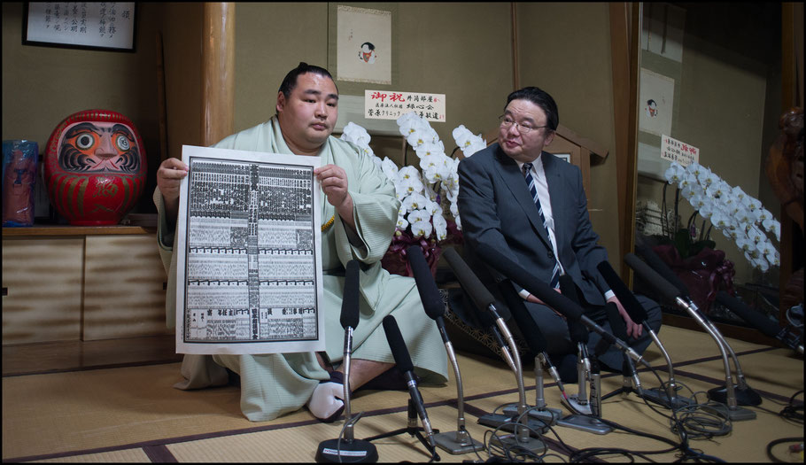 Kakuryu poses with a banzuke after his promotion to yokozuna - John Gunning, Inside Sport: Japan, April 24, 2014