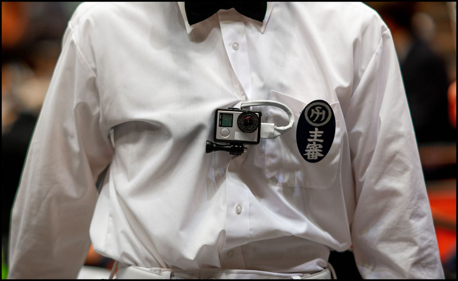Bodycams on referees provide a view never seen in Ozumo – John Gunning, Dec 6th, 2015
