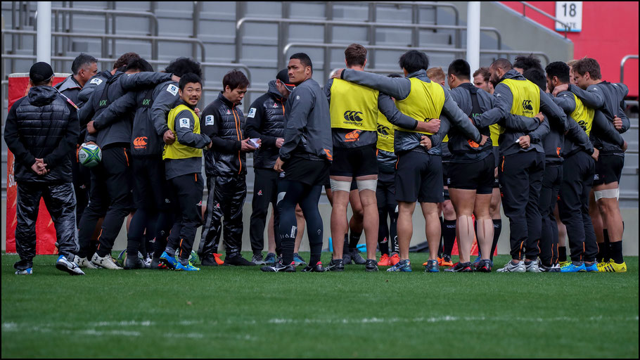 Sunwolves players and staff during the captain's run – Sachiyo Karamatsu, Inside Sport: Japan, Feb 23rd, 2018