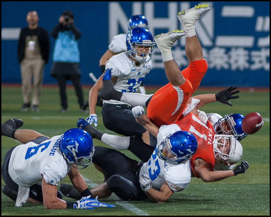 Maeda fumbles the ball in the first quarter - Chris Pfaff, Inside Sport: Japan, Nov 11, 2017