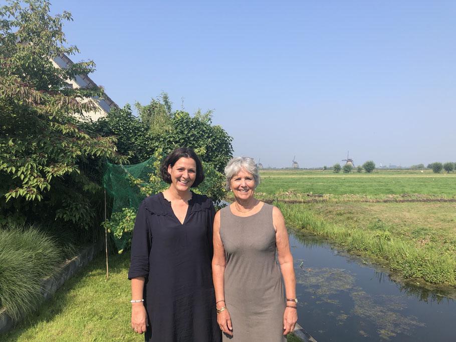 De Lieve Tandarts gaat samenwerken met Dutch Dental Care. Foto van Heidi Peeters en Marjon Santema. Augustus 2019