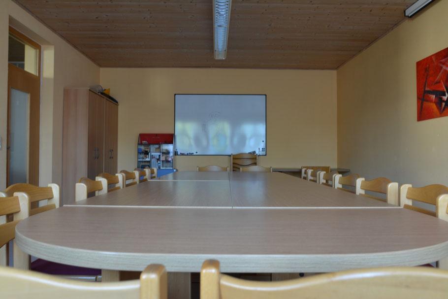 Für Präsentationen oder auch Schulungen gerne genutzt, unser kleiner Besprechungsraum.