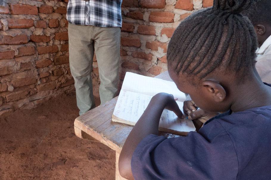 Schreiben lernen in der Dream School Nursery & Primary School