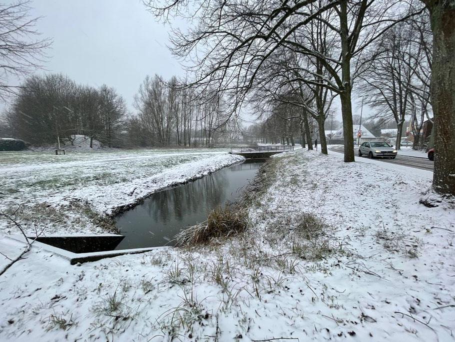 Fleet am Baumhauser Weg Ecke Christian-Seebade-Straße im Winter 2021 (Foto: 01-2021, Jens Schmidt)