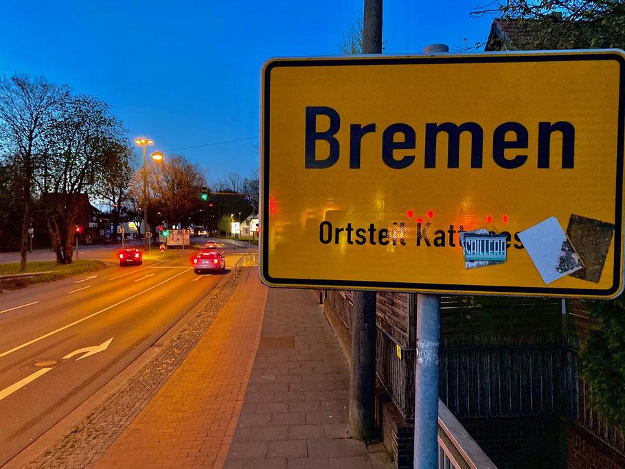 Ortseingangsschild in Kattenesch, Kattenturmer Heerstraße aus Brinkum kommend stadteinwärts, Bremen Obervieland (Foto: 04-2020, Jens Schmidt)