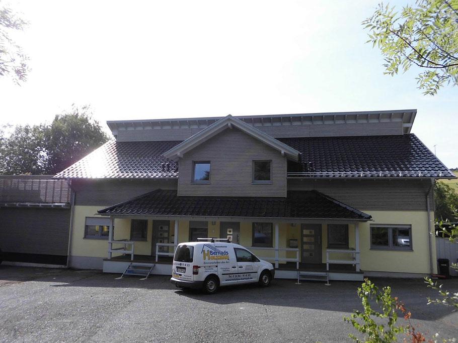 Hauptgebäude Holzbau Bernads