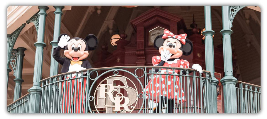 disneyland paris willkommen in einer magischen welt mickey und minnie mouse