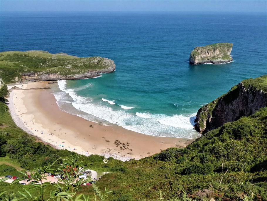 Playa de Ballota vor Llanes