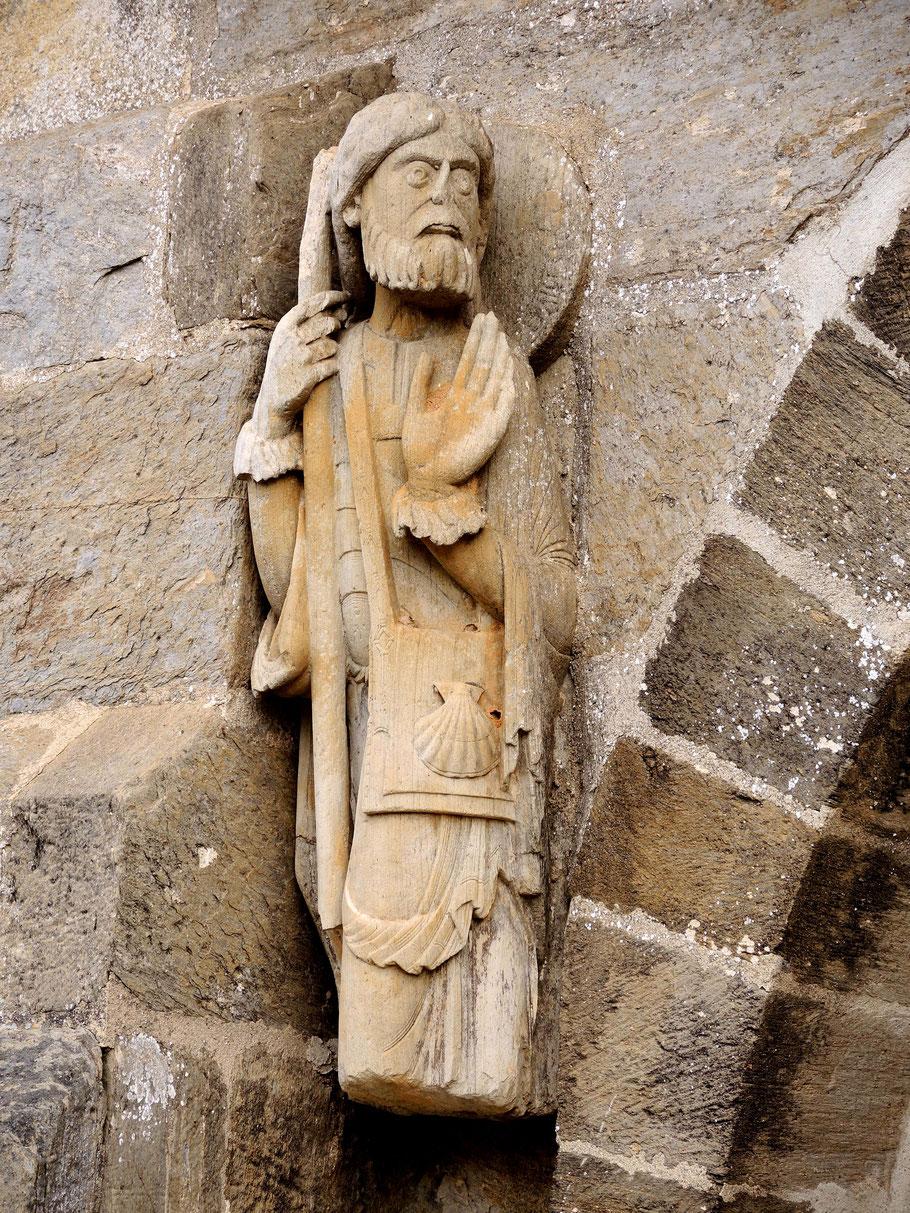 Es ist die älteste bekannte Statue von Apostel Jakobus als Pilger (12. Jh.)