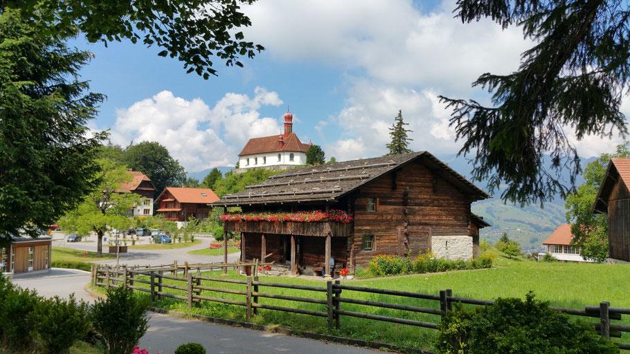 Bruder Klaus Haus in Flüe. Der Niklaus von Flüe (1417-1487) ist der Schutzpatron der Schweiz. Er war ein Bergbauer, Soldat, Einsiedler, Asket und Mystiker.