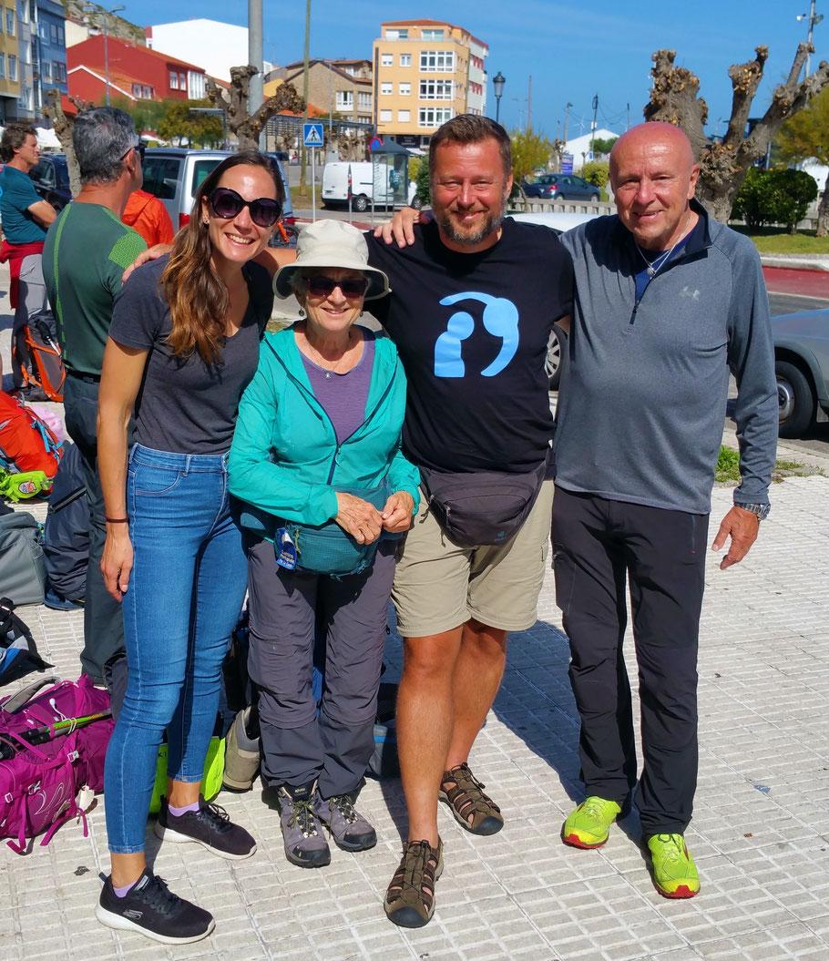 Pilger aus San Diego, San Francisco, Wien und Feuchtwangen in Muxia.