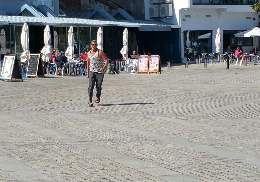 ...der Clement ist auch da!!! Wir haben uns erste mal vor 800 km in San Sebastian getroffen.