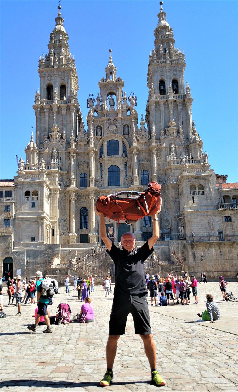 Nach über 2500 km und 3 Monaten, endlich die Ankunft in Santiago!!!... Bin sehr glücklich. Ein unbeschreibliches Gefühl.