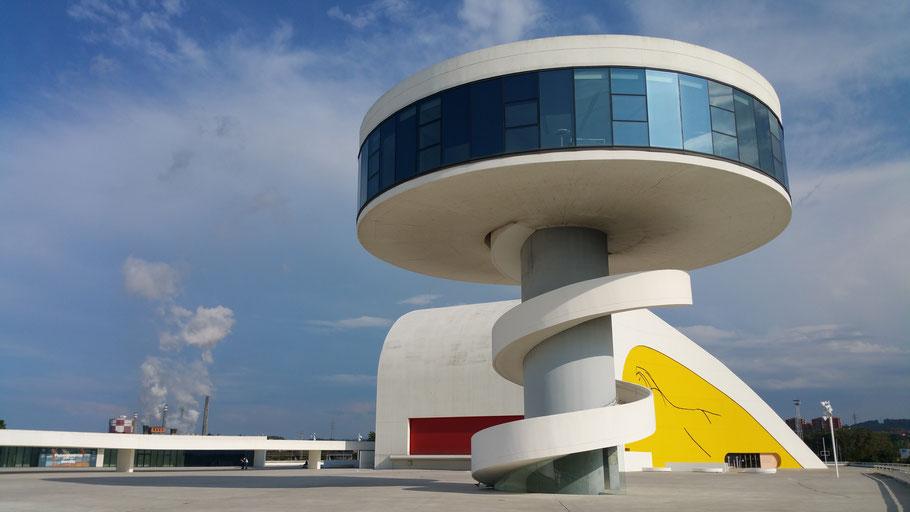 Aviles. Centro Niemeyer