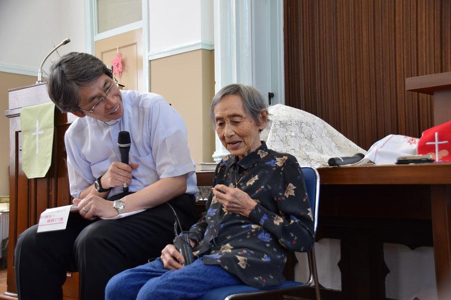 2016年8月7日(日)は平和聖日でした。礼拝報告時、光子さんを真ん中にお迎えし、戦争の時代についてインタビューをしました。