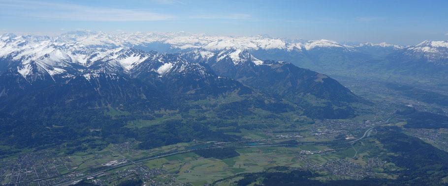 Blick in den Walgau und uns Schweizer Rheintal