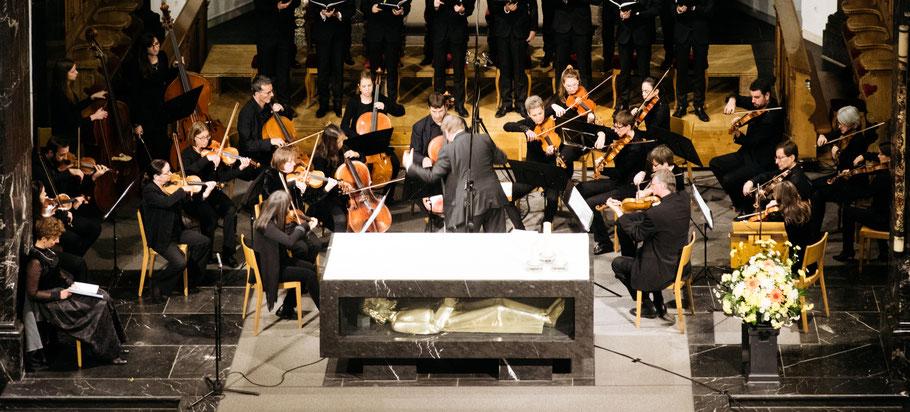 Das Orchester Santa Maria bei der Uraufführung der Kantate Dorothea von Joël von Moos
