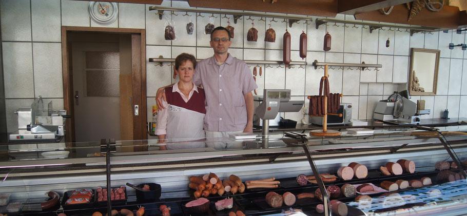 Die Metzgerei Schürmann in Velbert wurde vor über 100 Jahren gegründet. Heute wird Sie von Damian Sowa und seiner Frau Renata Sowa geleitet.