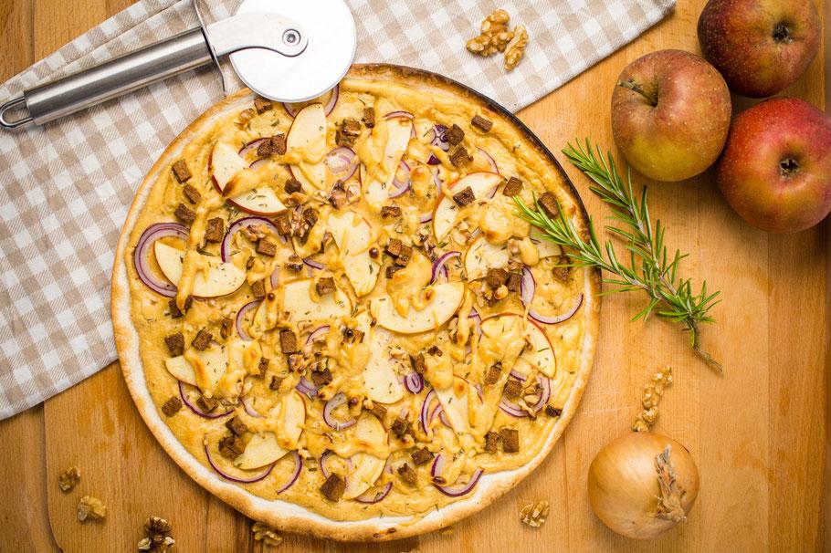 Vegane FLammkuchen, süß und herzhaft