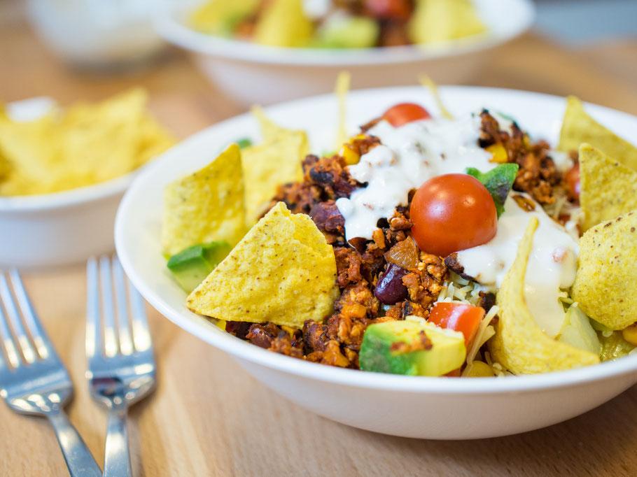 Mexikanischer Salat mit Tofu-Hack