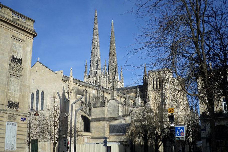 La cathédrale vue du palais de justice