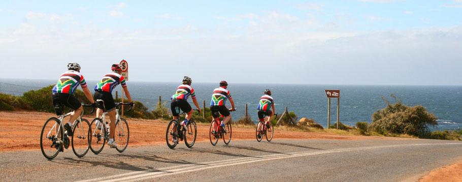 Per Rad auf den Küstenstraßen zum Kap