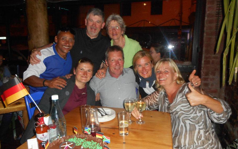 Gemeinsames Abschieds-Dinner zum Ende der Radreise Garden Route 2018 von Pro-Biketour