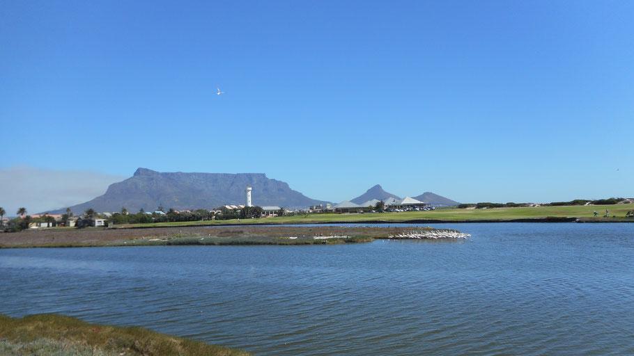 Kapstadt mit seinem Wahrzeichen dem Tafelberg