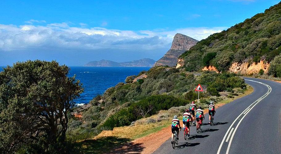 Pro Biketour Radsportreisen durch Südafrika - Teilnehmer der Radreise auf ihren Rennrädern