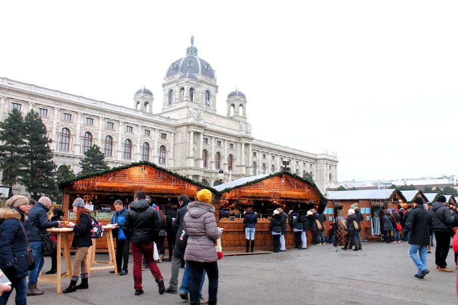 Weihnachtsmarkt am Maria Theresien Platz in Wien, Kunsthistorisches Museum