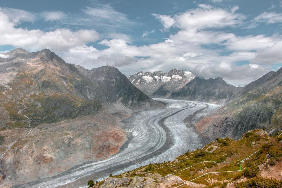 Alteschgletscher-größter-Gletscher-der-Alpen-Wandern-Schweiz