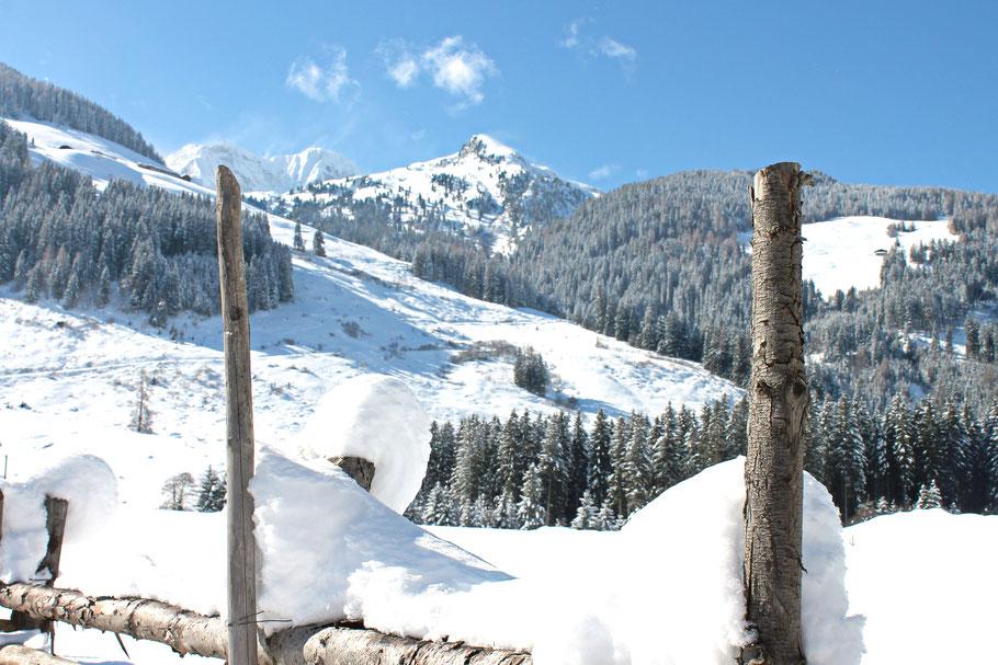 Winterwandern-im-schwarzachtal- einfache-wanderung-im-zillertal