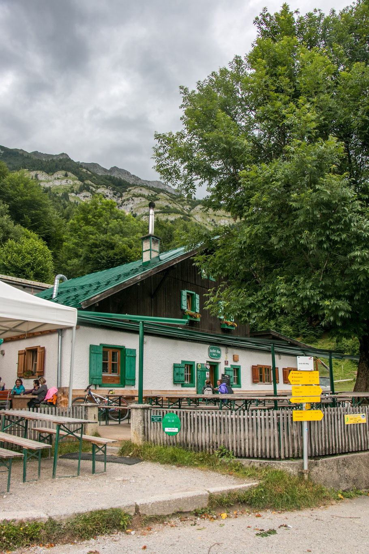 Atzleralm-Innsbruck-Wandern-Hungerburgbahn-Wanderung-Kinder