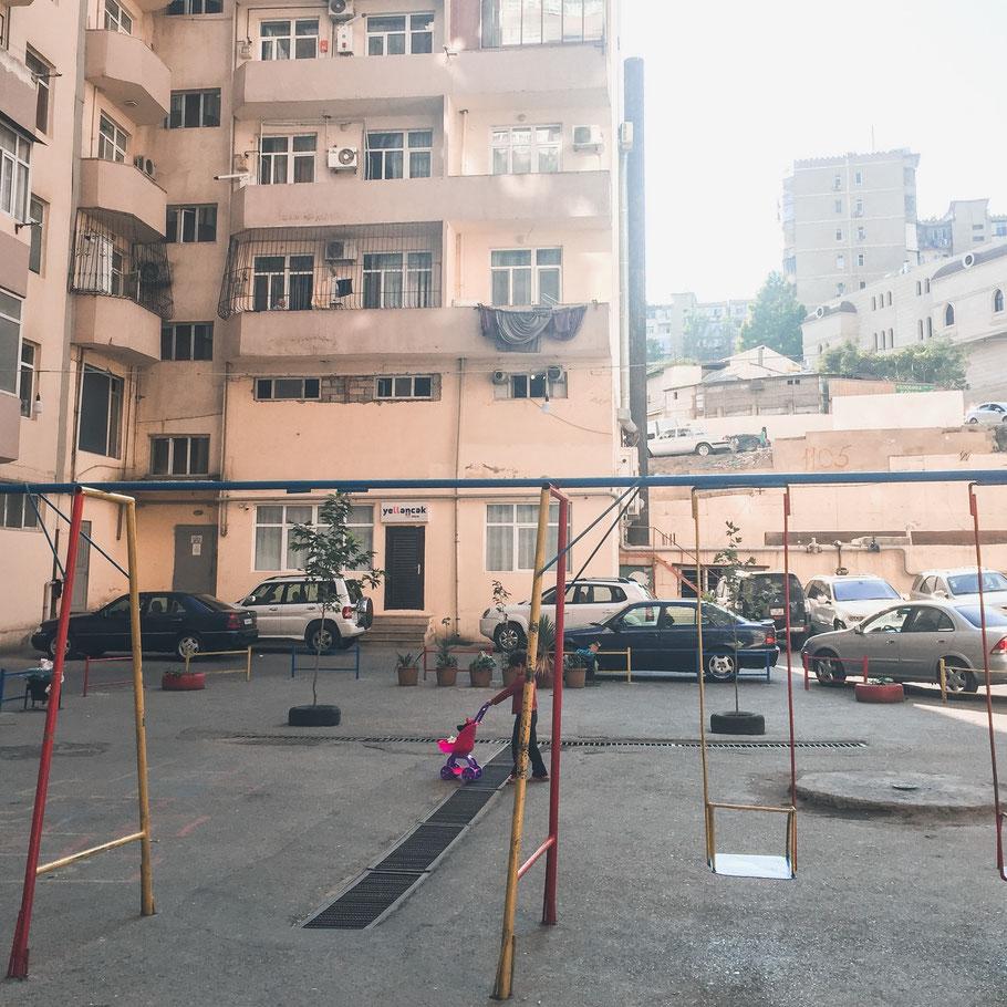 Auf einem Spielplatz in Aserbaidschan (Foto: Miriam Grün)