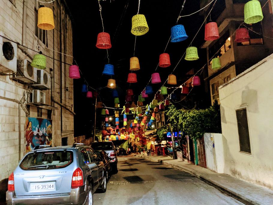 """Die bekannte Rainbow-Street auf dem """"Jabal Amman"""""""