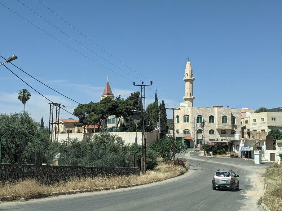 Die Kirche und Mosche keine 100 Meter voneinander entfernt