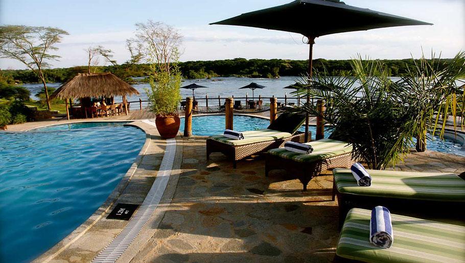 Chobe0safari-lodge-swimming-pool.jpg